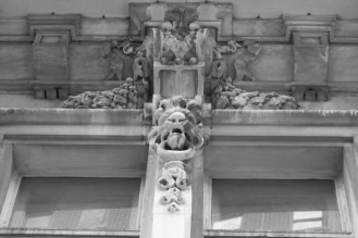 Detail, 330 Riverside Drive. By Laurence Beckhardt