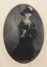 Jennie Davis, first mistress of 330 Riverside Drive. Courtesy of Brenda Steffon